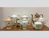 Teiere varie in porcellana inglesi , tedesche , cecoslovacche